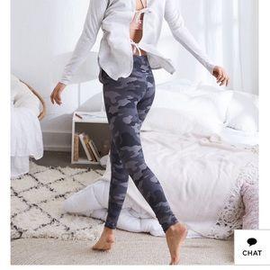 Aerie Move Leggings in Gray Camo Print